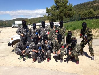Grupo en Zona de descanso Paintball